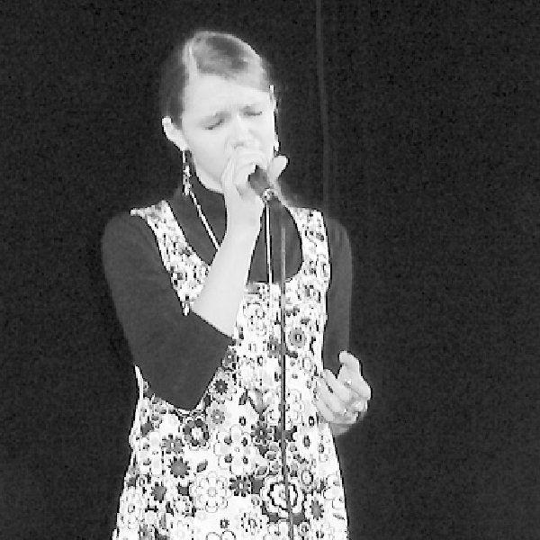 Justyna Gęsicka, utalentowana wokalnie  gimnazjalistka z Wielgiego
