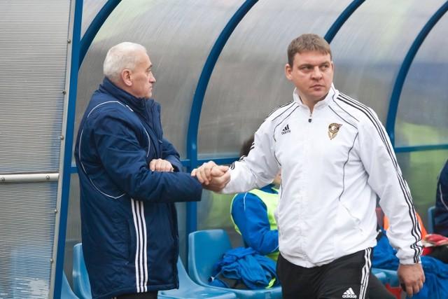 Z prawej trener Maciej Jaworski