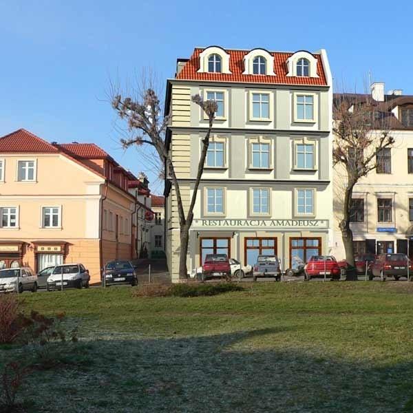 Wizualizacja nowyego hotelu (jeszcze bez nazwy) od strony ul. Berka Joselewicza będzie mieścił restaurację i centrum konferencyjne. Otwarcie w październiku.