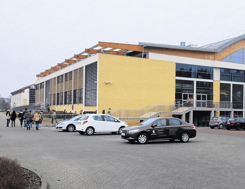 Zespół Szkolno-Przedszkolny powstanie prawdopodobnie przy ul. Zagajnikowej, w sąsiedztwie hali sportowej UAM.