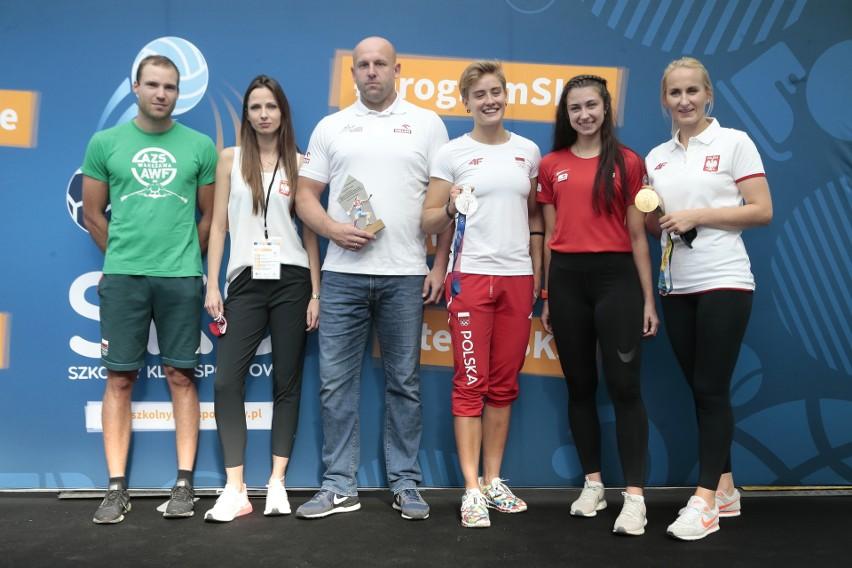 """""""Wracamy do formy!"""", czyli Anna i Robert Lewandowscy zachęcają do Programu Szkolny Klub Sportowy"""