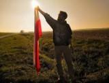 Mieszkańcy Krosna Odrzańskiego i okolic bili rekord w długości flagi narodowej... przez internet. Organizatorzy otrzymali mnóstwo zdjęć