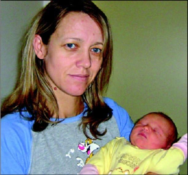Córka Elzbiety i Grzegorza Kaczynskich z Ostroleki urodzilasie w czwartek, 24 grudnia. Wazyla 3320 g i mierzyla 56cm. Ma starszego brata, Jakuba (8 lat)