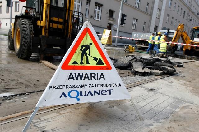 Poznań: Awaria wodociągowa. Okolica Serbskiej bez wody