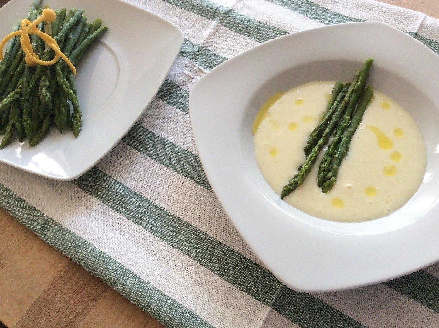 Zupa Ze Szparagow Bialych Lub Zielonych Przepisy Sprawdzone