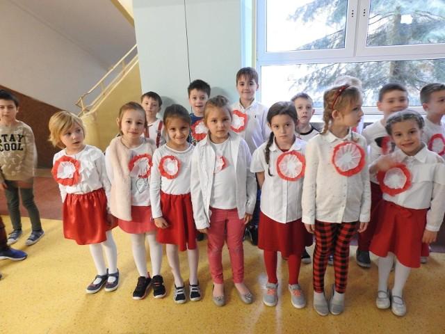 Dzieci z SP nr 9 w Białymstoku śpiewały hymn polski