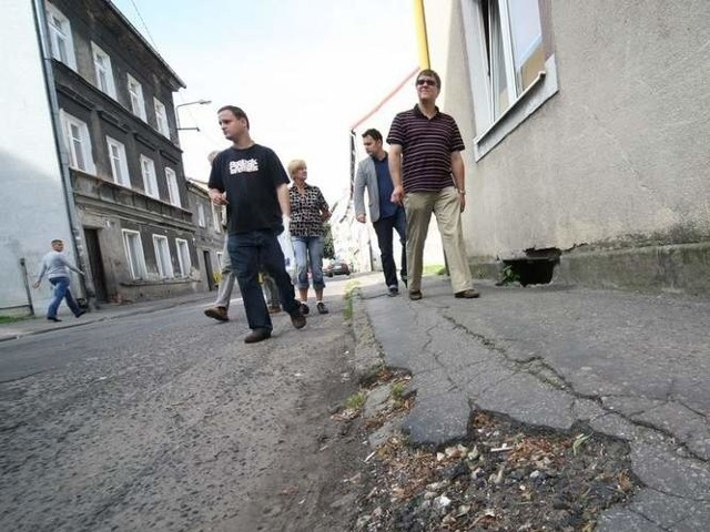 140 osób domaga się remontu ulicy Długiej w Słupsku.