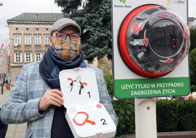 Defibrylatory w Bielsku-Białej to nowoczesne i łatwe w użyciu urządzenia. Zostały zamontowane w listopadzie 2020 r. w różnych częściach miasta