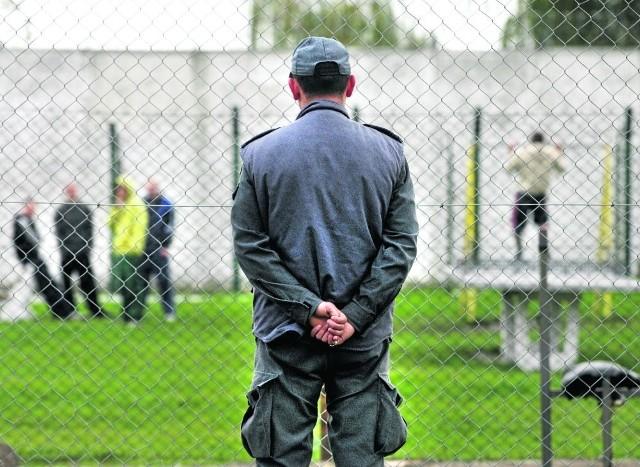 Biegły psychiatra wydał opinię, że mężczyznę można umieścić  w areszcie. Sąd rozpatrzy zażalenie na wcześniejszą decyzję