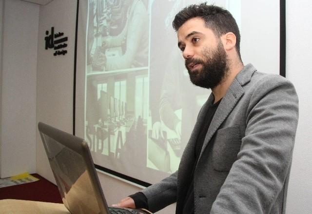 Przedstawicielem włoskiej szkoły w Kielcach jest Andrea Busato.
