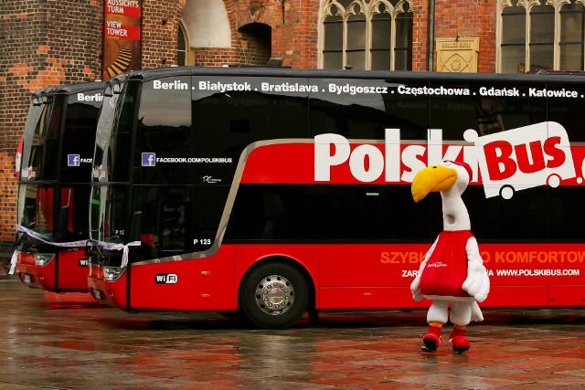 Marka PolskiBus.com będzie wygaszana w Polsce, a czerwone autokary zastąpią zielone pojazdy FlixBusa.