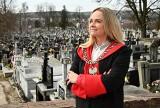 Aneta Dobroch z Sandomierza jest jedną z niewielu w Polsce mistrzyń ceremonii pogrzebowych. Zdradziła nam tajemnice swojej pracy