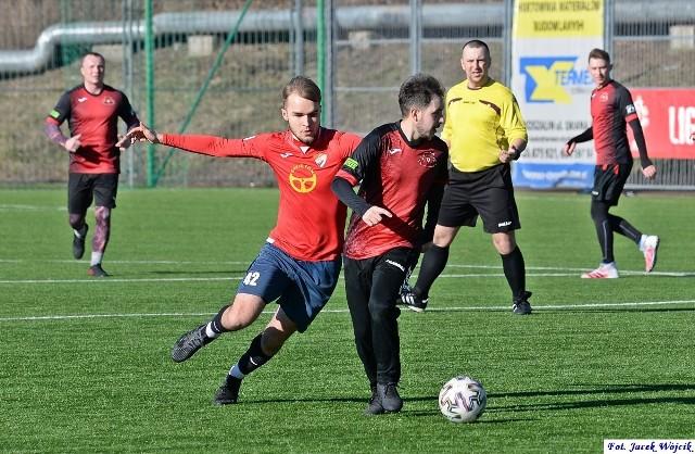 W ostatnim meczu kontrolnym przed startem rozgrywek III ligi, Gwardia Koszalin wygrała z liderem grupy 3. okręgówki, Zefirem Wyszewo 3:0 (1:0).