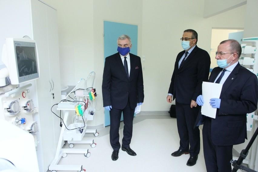 Od lewej: marszałek Andrzej Bętkowski, dyrektor Youssef...