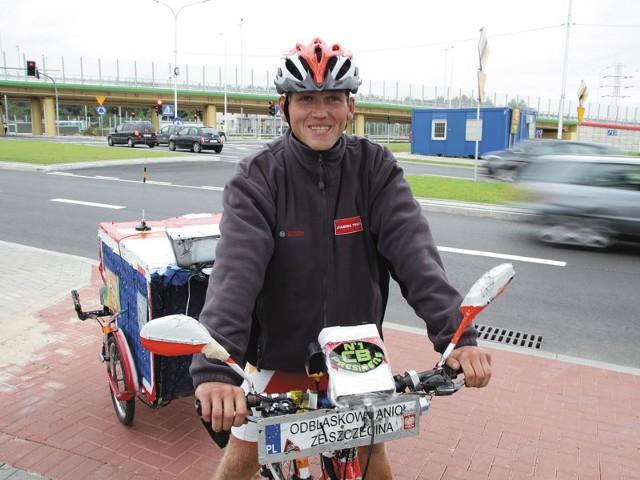 Maciek Stawinoga na rowerze