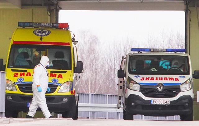 Blisko 17 tys. nowych przypadków koronawirusa w poniedziałek 29 marca to największa liczba zachorowań ze wszystkich poniedziałków w marcu
