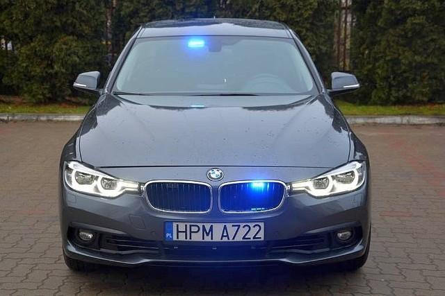 Policjant rozbił nieoznakowany radiowóz. Na zdjęciu BMW z komendy w Sokółce