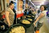 Wege Festiwal Łódź. Wegańskie jedzenie w Piotrkowskiej 217. Są foodtrucki i stoiska z przekąskami. MENU, CENY