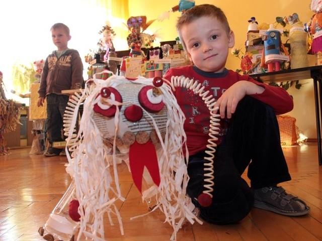 Śmieciowy potwór w Przedszkolu 38 w RzeszowieW przedszkolu nr 38 w Rzeszowie rozstrzygnieto konkurs na najciekawszego Śmieciowego potwora.