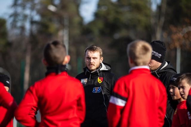 Jedna z grup Akademii Jagiellonii trenuje pod kierunkiem Rafała Matusiaka