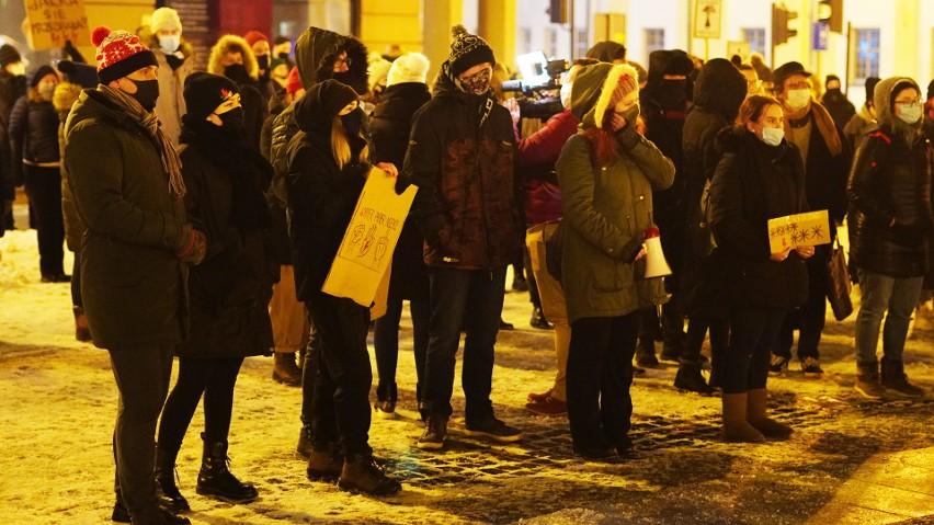 """Ogólnopolski Strajk Kobiet w Białymstoku zapowiada protest w weekend. Pod hasłem """"Rewolucja jest kobietą"""""""