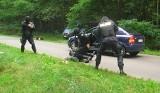 Policjanci z Międzychodu zatrzymali groźnych bandytów. To były tylko ćwiczenia