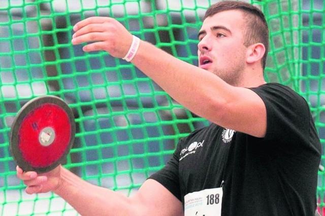 Bartłomiej Stój jest wychowankiem Katolickiego Klubu Sportowego Victoria Stalowa Wola. Teraz przeniósł się do opolskiego AZS-u.