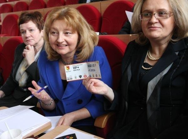 Białostoccy radni otrzymali karnety na mecze Jagiellonii, warte 600 złotych.