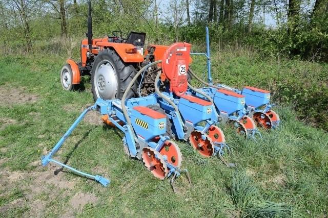 Skradziony traktor z siewnikiem został odzyskany.