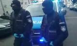 """49 policjantów i 12 radiowozów zaangażowanych w głośną interwencję w restauracji """"U Trzech Braci"""" w Cieszynie. Poseł Lewicy ma wyjaśnienia"""