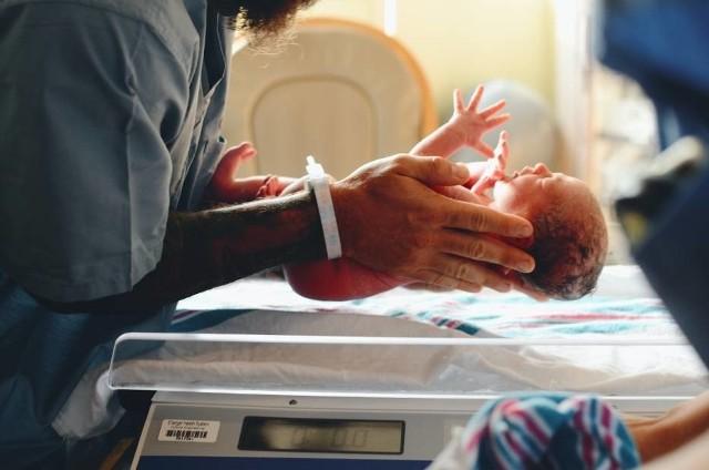 Na brodnickiej porodówce doszło do błędu medycznego, wskutek którego dziecko będzie niepełnosprawne do końca życia - ustalił Sąd Okręgowy w Toruniu.