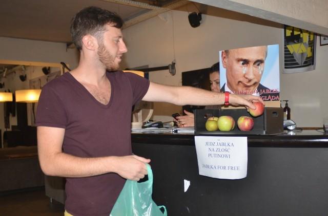 W salonie przy ul. Piotrkowskiej jabłka można jeść za darmo:)
