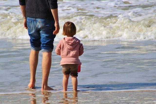 Ojcom też przysługuje urlop, gdy na świecie pojawi się dziecko. Ilu panów jest na urlopie tacierzyńskim w Lubuskiem?