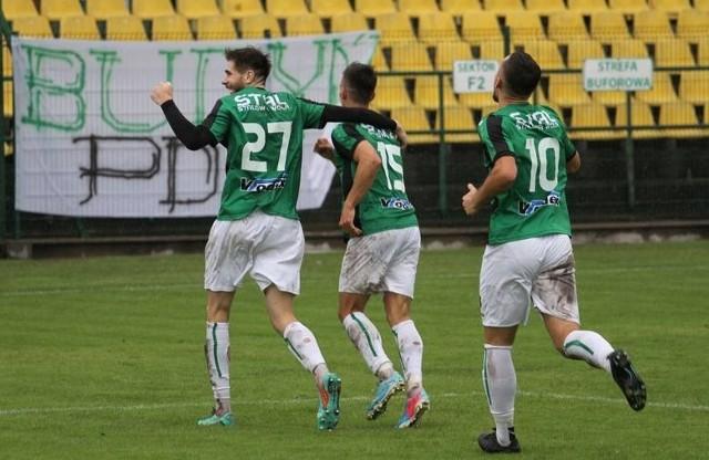 W ostatnim meczu ligowego sezonu 2020/2021 Stal Stalowa Wola zagra na wyjeździe z Podhalem Nowy Targ. Sprawdź nasz przewidywany skład zielono-czarnych na ten pojedynek!