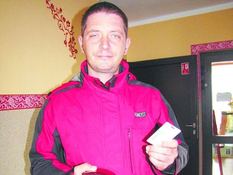 – Czytniki, to bardzo dobre rozwiązanie – mówi Tomasz Sadowski z Augustowa. – Nie ma żadnych niedomówień.