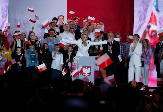Zobacz jak głosowali mieszkańcy gmin otaczających Łódź. Oto wyniki wyborów w gminach powiatów pabianickiego, zgierskiego, łódzkiego wschodniego i brzezińskiego. KLIKNIJ DALEJ