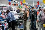 Marcowe promocje w sklepach. Wyprzedaż do -50% w sklepach Biedronka. Co kupicie taniej? [Lidl, Auchan, Aldi, Kaufland, Biedronka, Netto]