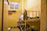 Więzień w Łodzi spadł z piętrowego łóżka. Zażądał 200 tys. zł!