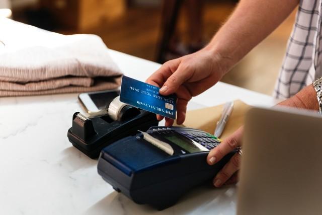 Płatności zbliżeniowe czeka rewolucja. Ułatwienie dla użytkowników ...i złodziei?