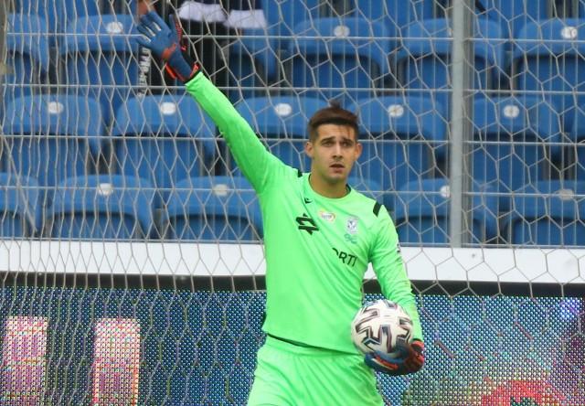 Miłosz Mleczko  stał się drugim najmłodszym zawodnikiem, który w XXI wieku wystąpił w ligowym meczu w bramce Kolejorza. Młodszy był tylko Paweł Linka w 2006 (20 lat), który w swoim jedynym meczu w niebiesko-białych barwach zagrał z Cracovią (3:4).