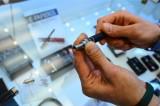 60 Sekund Biznesu: E- papierosy mniej szkodliwe od tradycyjnych. W perspektywie krótkoterminowej
