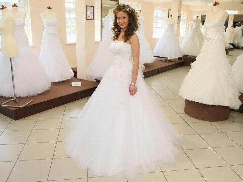 7f12cf994d Miss mierzyły suknie ślubne. Wielki finał już w niedzielę