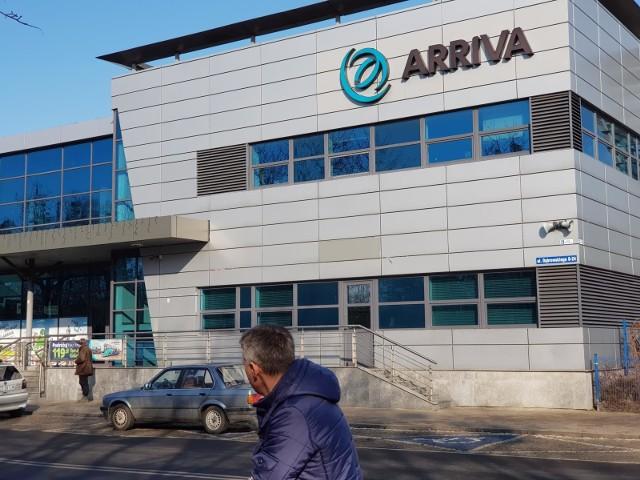 Z rozkładów autobusowych na Podkarpaciu znikną kolejne połączenia firmy Arriva.