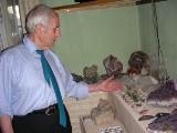 Kolekcjoner Mikołaj Podłaszczyk czuje miłość do kamieni
