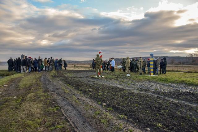 Przez wiele lat w Malhowwicach, dokładnie na polsko-ukraińskiej granicy, odbywały się spotkania opłatkowe, na których apelowano o budowę nowego przejścia granicznego.