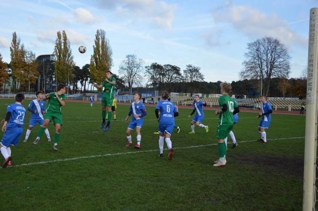 Lechia Zielona Góra rozbiła w barażach o Centralną Ligę Juniorów Pomologię Prószków i dzięki temu wiosną zagra w elicie.
