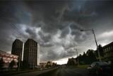 Niedziela z chmurami i przelotnym deszczem