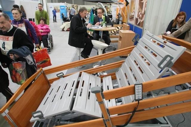 Sprzęt rehabilitacyjny przyciąga co roku na targi bardzo wielu zwiedzających.