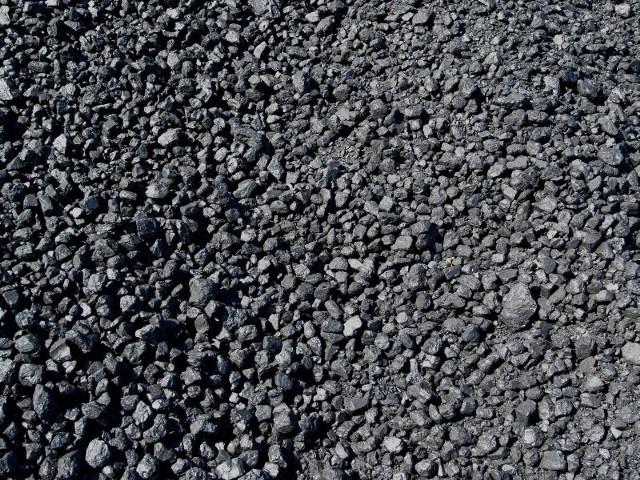 Coraz częściej wybieramy węgiel z importu. Dlaczego? Bo taniej