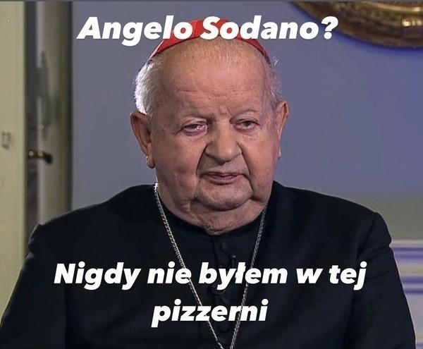 Memy z kardynałem Stanisławem Dziwiszem są hitem w internecie
